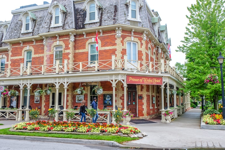 Historisches Hotel an Straßenecke in Niagara on the lake Kanada