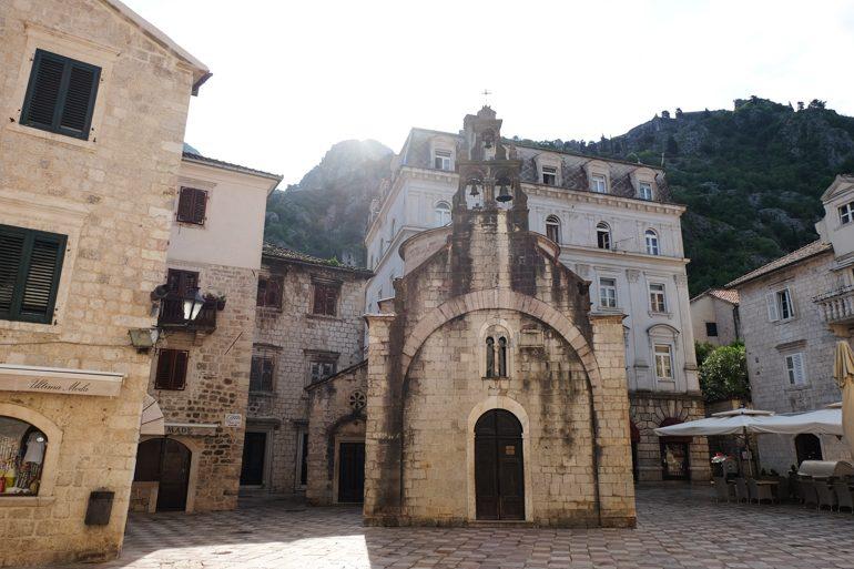 Steinkirche in Altstadt von Kotor Montenegro Sehenswürdigkeiten