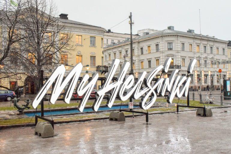 Helles My Helsinki Schild im Park Ein Tag in Helsinki Finnland