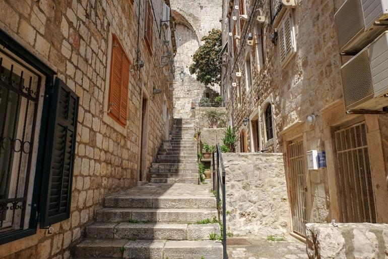 Stufen und Sandsteingebäude Sehenswürdigkeiten Altstadt Dubrovnik Kroatien