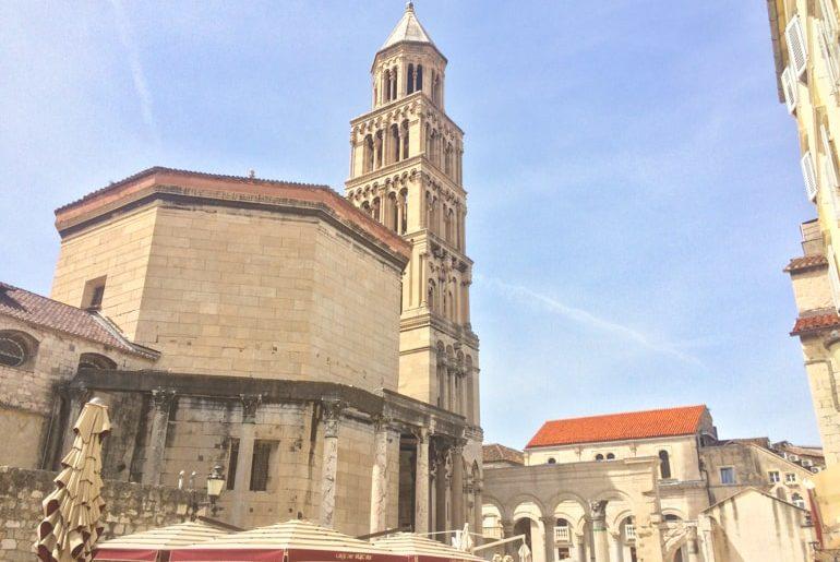 Steinturm in Altstadt von Split Sehenswürdigkeiten in Kroatien