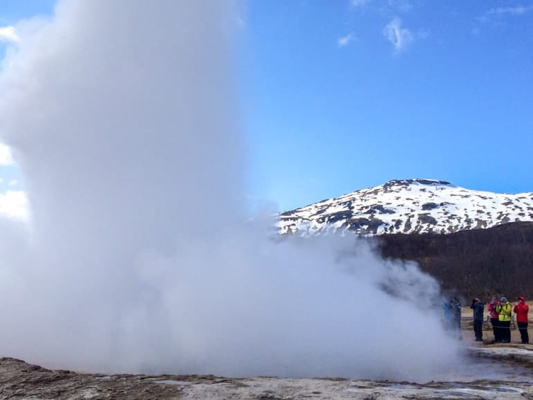 geyser shooting water golden circle tour iceland