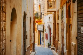 sand stone alley ways with shop fronts gozo accommodation victoria