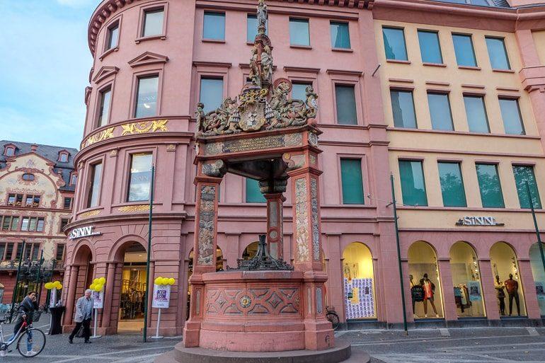Großer Brunnen auf Mainzer Marktplatz
