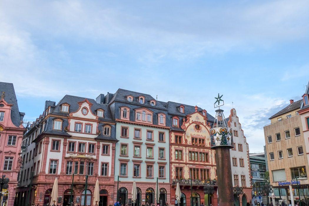 bunte Gebäude in der Altstadt von Mainz Sehenswürdigkeiten