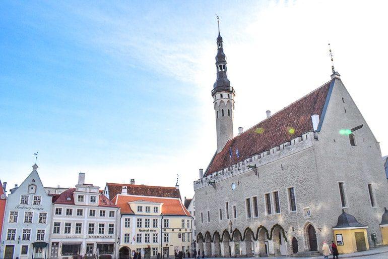 Altstadt von Tallinn mit Kirche