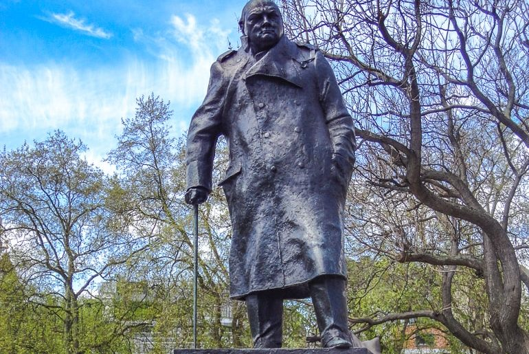 statue of man churchill in london attractions