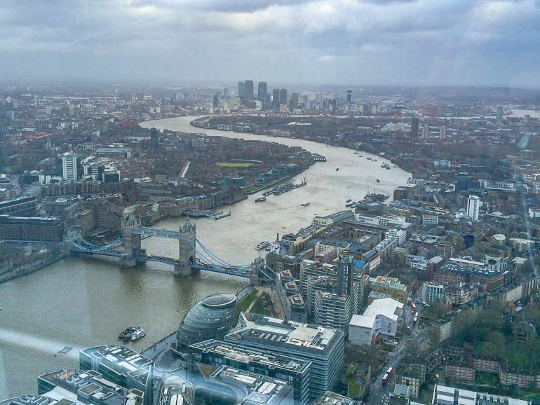 Ausblick vom The Shard auf Tower Bridge und Fluss Themse London