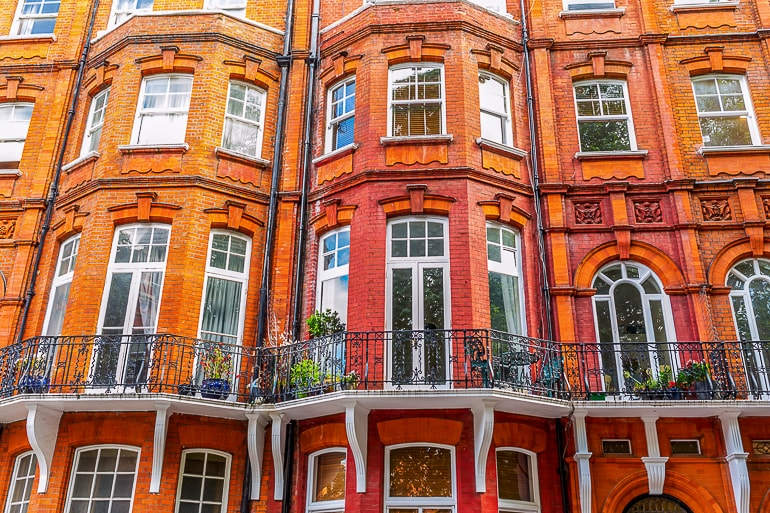 red houses with windows and balconies in kensington where to stay in london