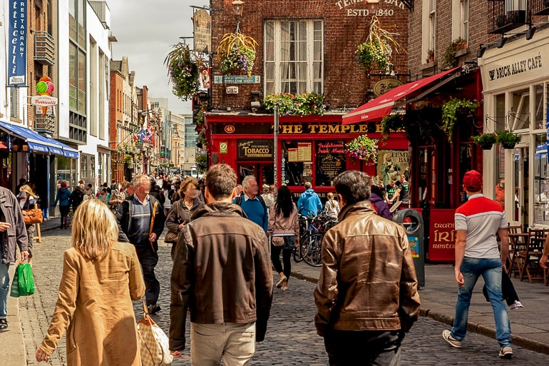 red brick and pubs on street temple bar things to do in dublin