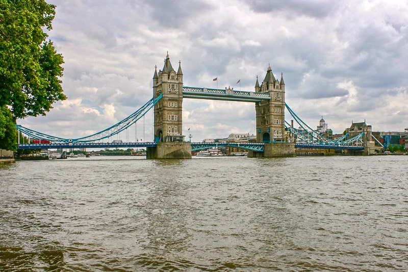 tower bridge suspension bridge over london river thames